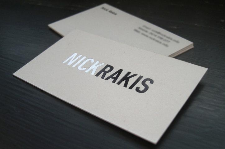 Card visit ép kim theo tên chủ nhân.