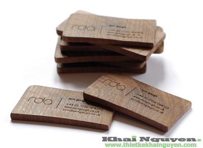 Mẫu in danh thiếp bằng gỗ.