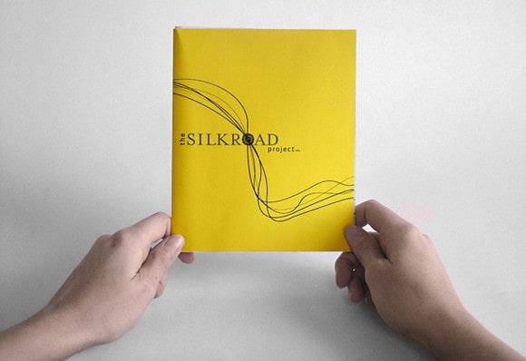 Thiết kế catalogue màu vàng