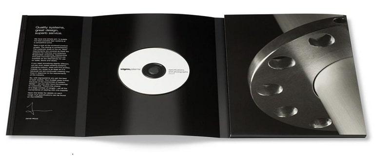 Brochure trắng đen