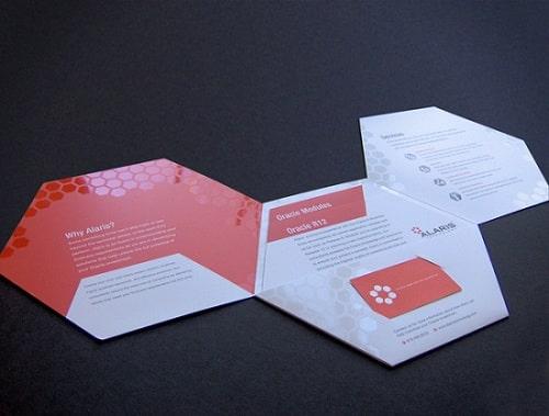 Mẫu thiết kế brochure hexagon khi mở ra