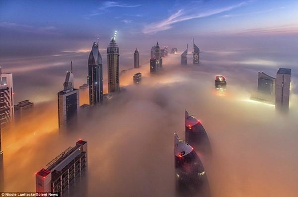 Thành phó Dubai trên mây
