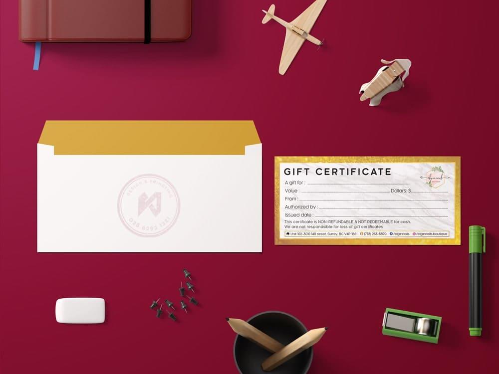 Bộ gift certificate gồm gift và bao thư.