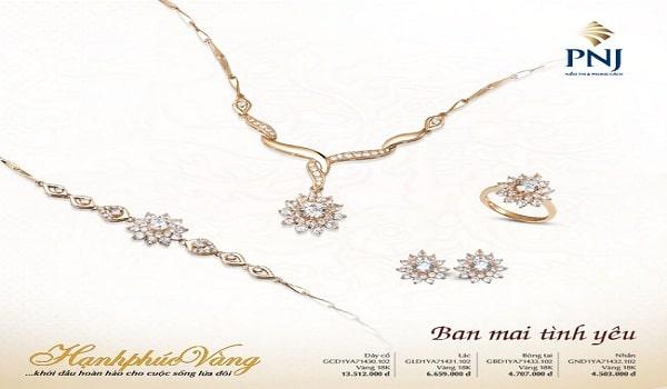 thiết kế catalogue trang sức đá quý nhẹ nhàng