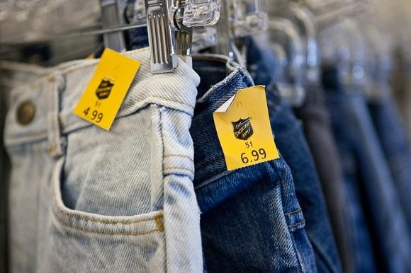 Mẫu thiết kế thẻ treo quần jeans