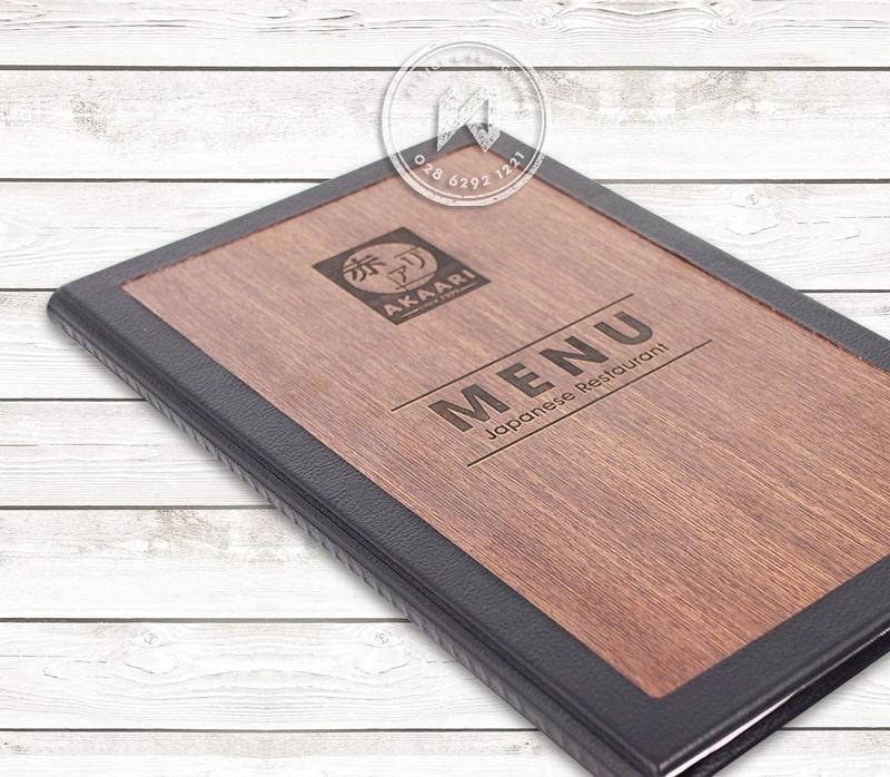 Bìa thực đơn gỗ nhà hàng AKAARI