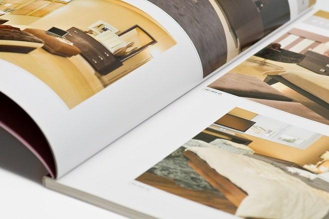 Phủ uv lên sản phẩm nội thất catalogue