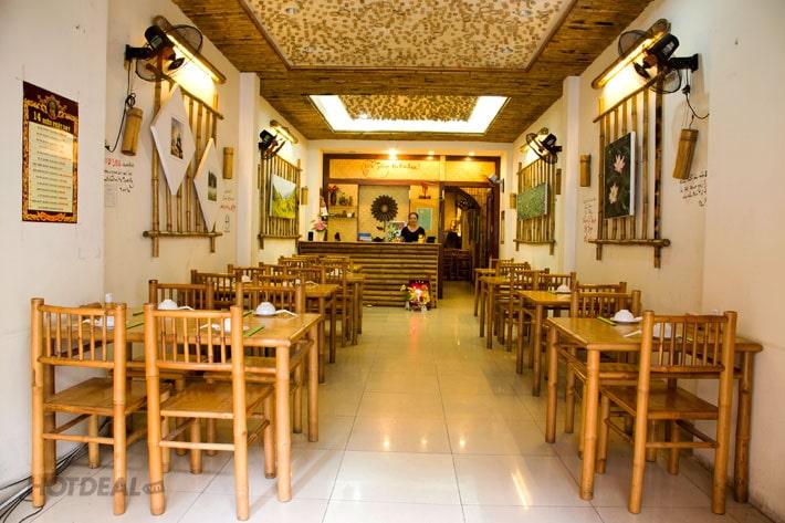 In menu dán tường cho các quán ăn và cơm văn phòng
