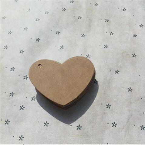 Mẫu làm thẻ treo kraft bế hình trái tim