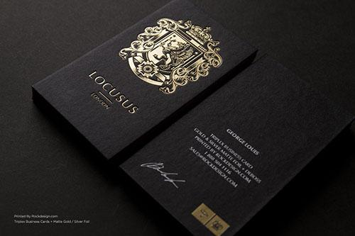 Danh thiếp cao cấp sử dụng phương pháp ép kim vàng trên giấy đen