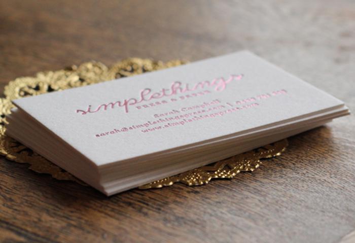 Mẫu name card ép kim hồng dành cho tín đồ của màu hồng