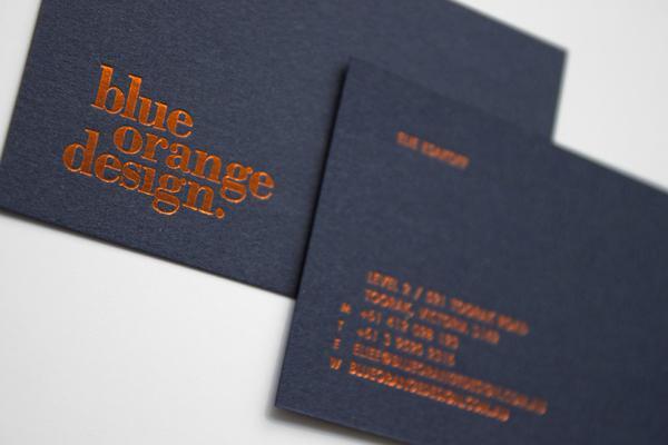 Ép kim màu cam vô cùng đặc sắc trên name card
