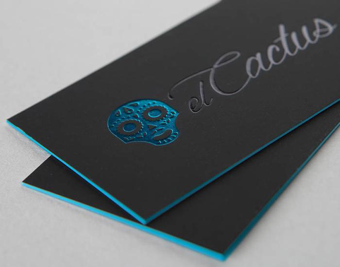 Mẫu card visit ép kim kết hợp với bồi viền màu xanh