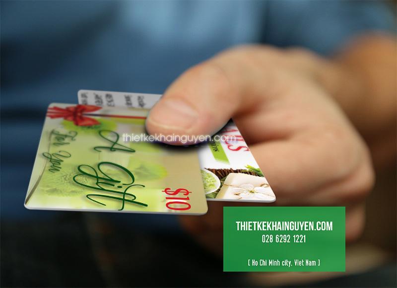 Gift card được in bằng chất liệu nhựa PVC cao cấp