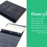 Bìa thực đơn gỗ láng mịn không tì vết - menu Mekong Lodge