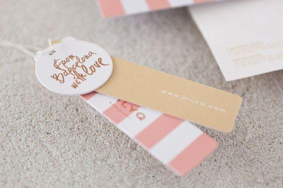In ấn tag treo quần áo hình tròn ấn tượng
