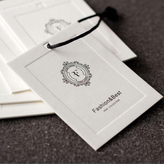 In ấn tag treo hình vuông đẹp ấn tượng