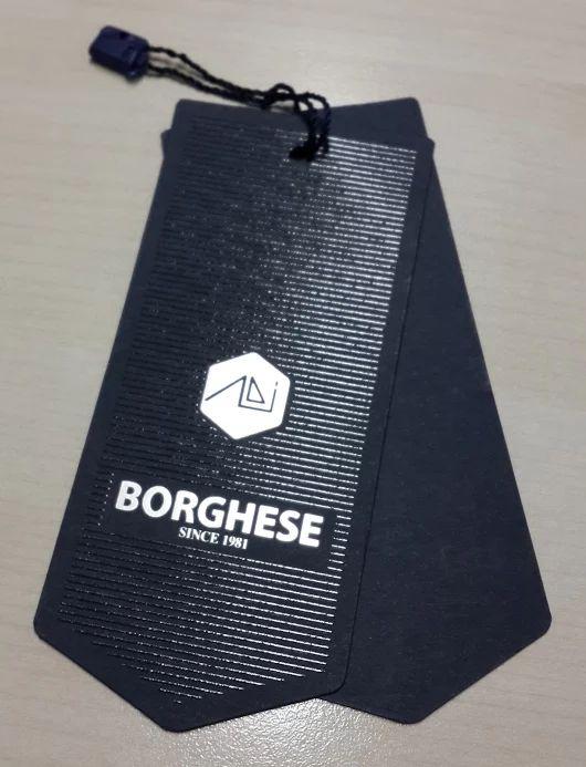 Mẫu in tag treo hình mũi tên bằng giấy mỹ thuật màu đen