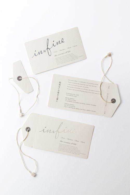 Mẫu in thẻ treo hình mùi tên bằng chất liệu giấy khác