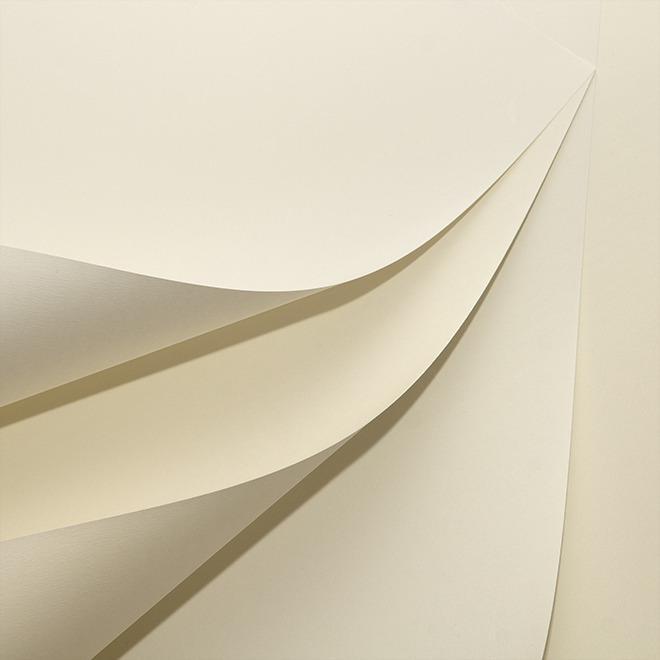 Những mẫu giấy có màu ngà mang lại nét đẹp thanh lịch