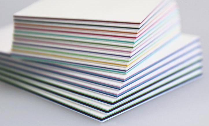 Khi in thiệp mời cao cấp thường bồi nhiều lớp giấy để tăng độ dày