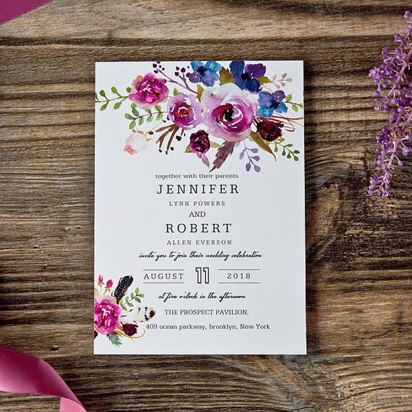 Thiệp mời hoa sắc tím luôn luôn được nhiều người yêu thích