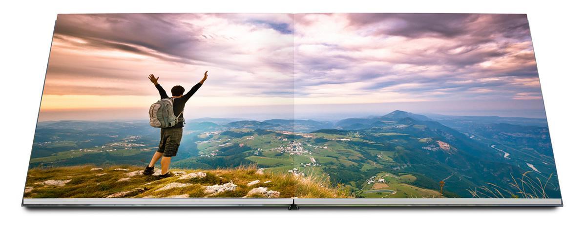 Cuốn photobook siêu đẹp với chất liệu giấy in cực kỳ cao cấpCuốn photobook siêu đẹp với chất liệu giấy in cực kỳ cao cấp
