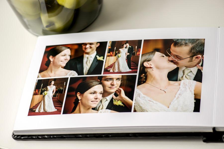 Những nụ cười, ánh mắt hạnh phúc tạo nên sự hoàn hảo cho cuốn photobook