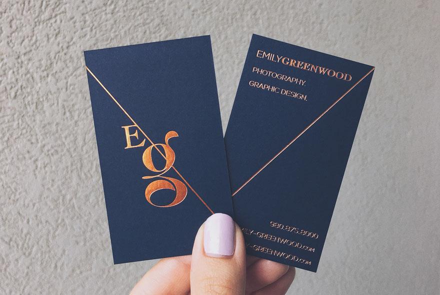 Name card ép kim kích thước chuẩn 9x5cm