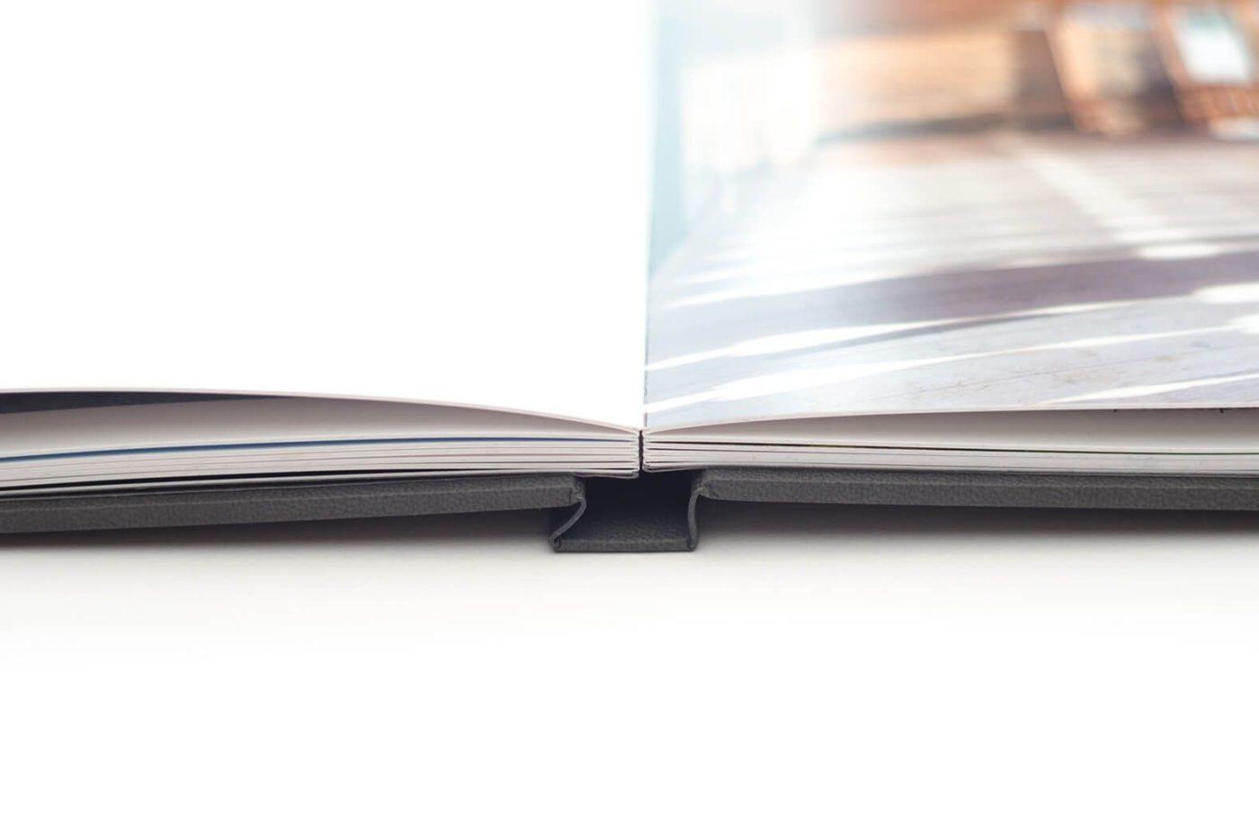 Mẫu photobook mở phẳng cán màng mờ siêu đẹp