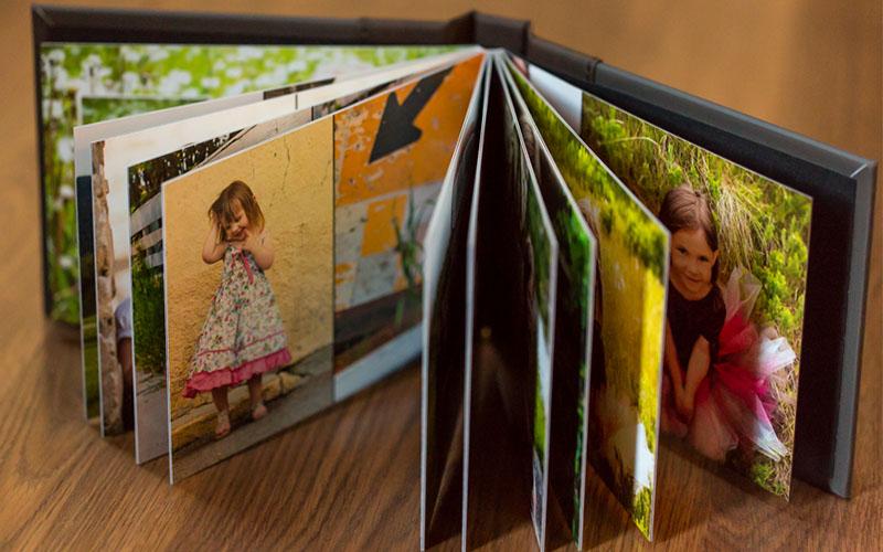 Photobook là gì? Đây chính là một mẫu photobook mở phẳng thường thấy