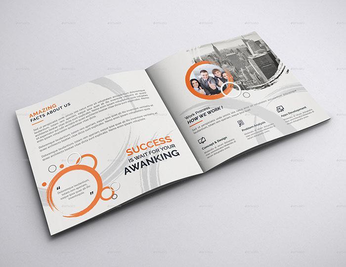 Mẫu brochure bất động sản hình vuông
