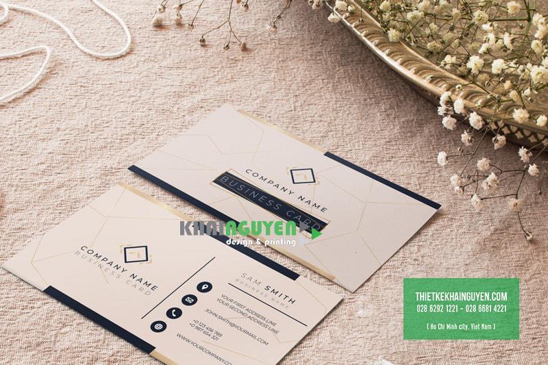 Màu sắc đơn giản nhã nhặn giúp tôn lên phong cách mộc mạc  của name card