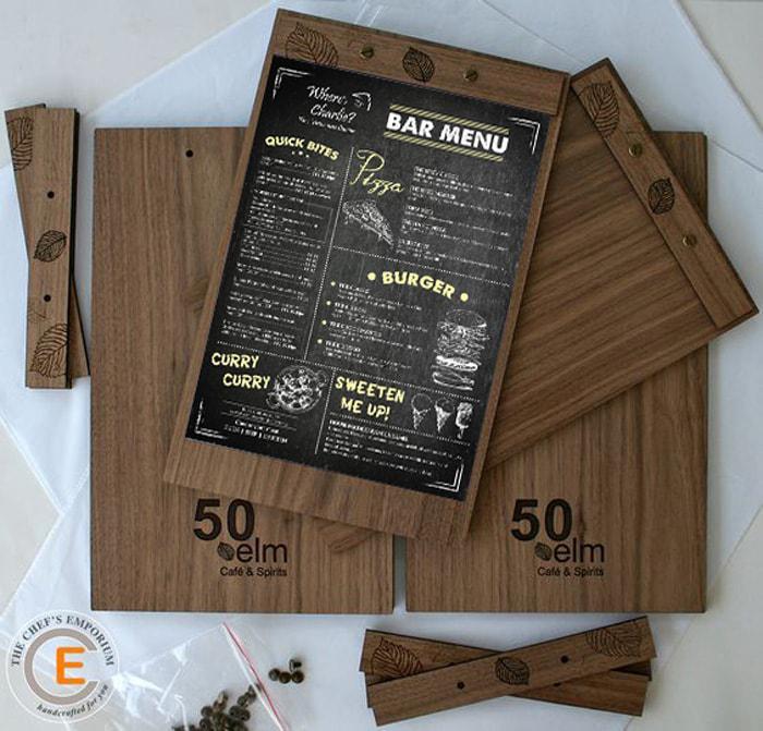 Menu gỗ dạng 1 tờ với thanh nẹp thú vị