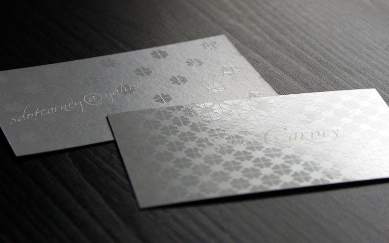 Name card UV định hình hoa văn