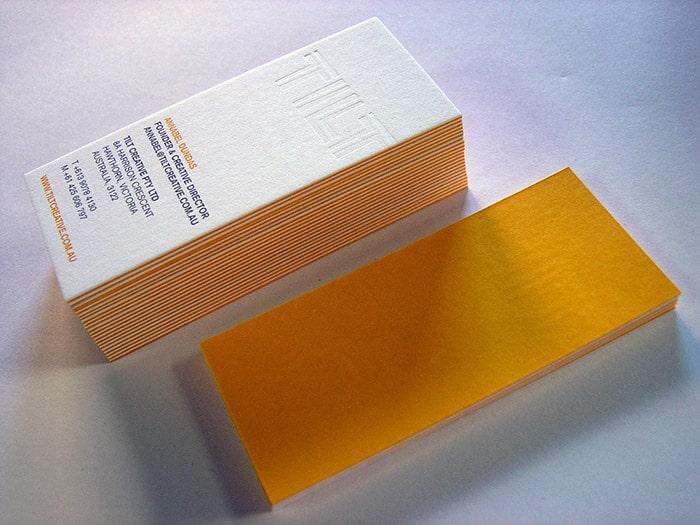 In danh thiếp bằng giấy mỹ thuật bồi 3 lớp + phủ viền màu