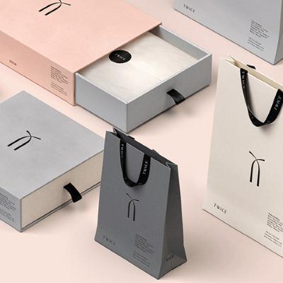 Thiết kế túi giấy chuyên nghiệp