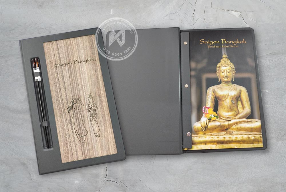 Mẫu menu gỗ nhà hàng Saigon Bangkok nổi tiếng